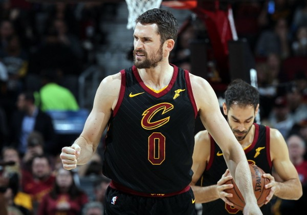 kevin-love-cavs-extension